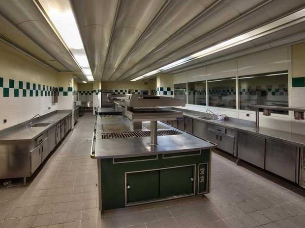 Des cuisines professionnelles et des laboratoires de pâtisserie
