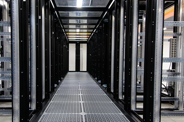 Une infrastructure de 8000serveurs et 600km de fibre optique