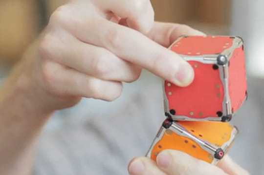 M-Blocks, le robot qui s'assemble tout seul