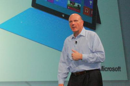 Microsoft: Steve Ballmer défend son bilan financier