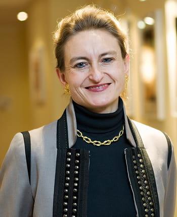 gabrielle gauthey est directrice des relations institutionnelles