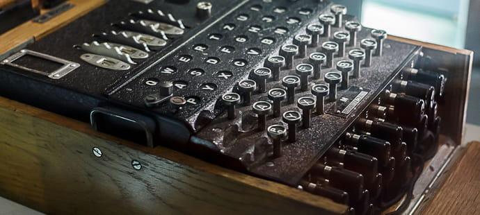 Enigma: histoire et impact sur l'évolution de l'informatique