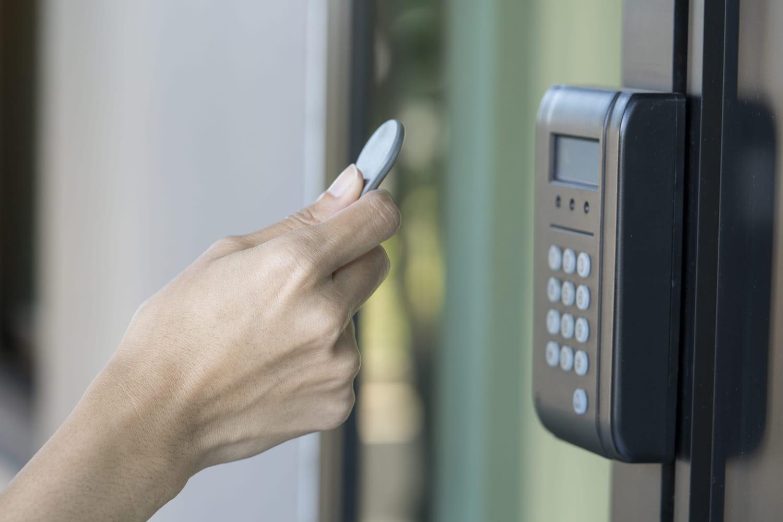 RFID: définition, fonctionnement, lien avec le NFC