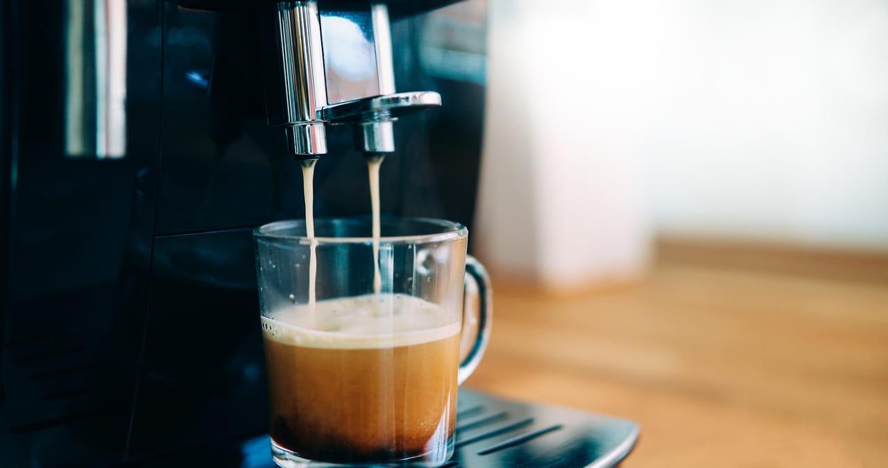 Machine à café avec broyeur: sélection des modèles selon vos besoins