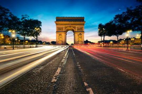 Paris vendra ses adresses web à quelques chanceux