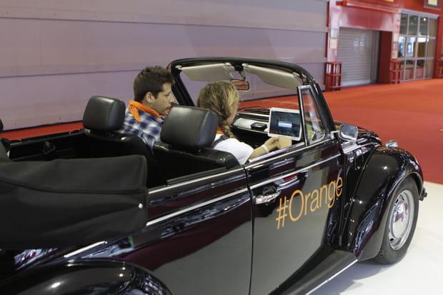 la volkswagen coccinelle connect e d 39 orange. Black Bedroom Furniture Sets. Home Design Ideas