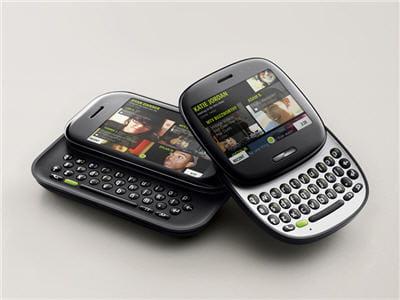 tournés vers les réseaux sociaux, les deux mobiles ont des claviers coulissants