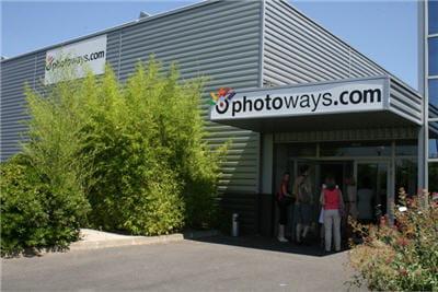 entrée des bureaux et du centre de production de photobox, à sartrouville