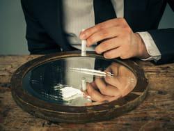 la cocaïne aussi provoque une dépendance.