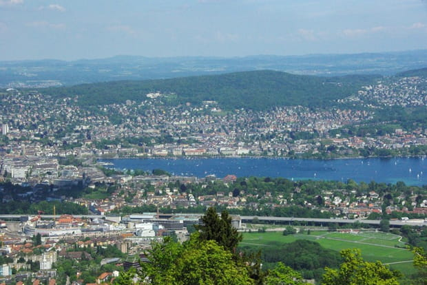 20e : Suisse, 680 milliards de dollars