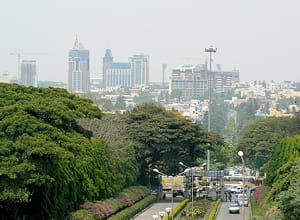 même pendant la récession bangalore a connu une forte croissance.