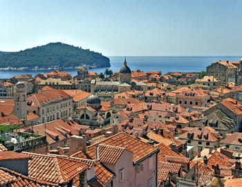 dubrovnik, haut lieu de la fête en croatie.