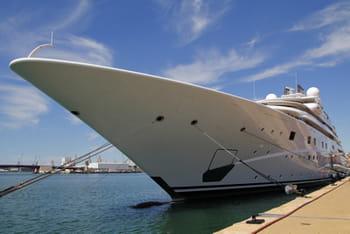 ellison possède un yacht de 288 pieds, comme celui-ci.