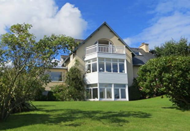 Une maison surplombant la baie de Morlaix