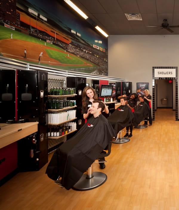 Sport clips un salon de coiffure branch matchs - Fauteuil dans un salon de coiffure pour dames ...