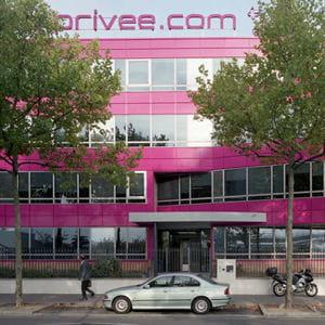 en 2011, vente-privée.com s'aventure en dehors de ses bureaux français.
