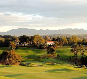le golf est dirigé par le beau-père de franck riboud.