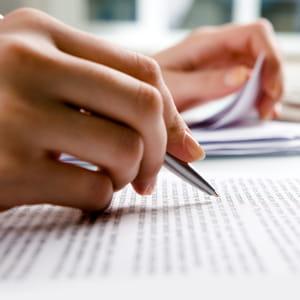 relire des documents ligne par ligne consomme trop de temps.
