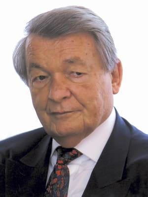 serge kampf a fondé capgemini en 1967.
