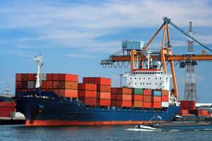 la chine exporte trois fois plus que la france.