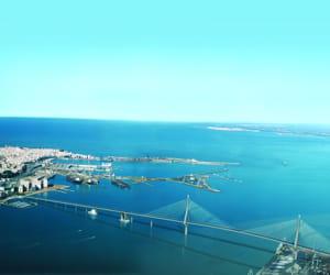 le futur pont de la baie de cadix, en espagne.