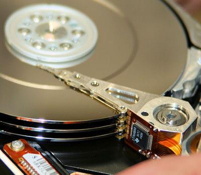 ouvrir un disque dur peut amener à bien des surprises.