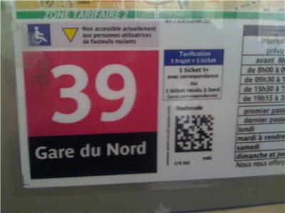 sur le plan des lignes de bus, on trouve désormais ces flashcodes, sorte de code