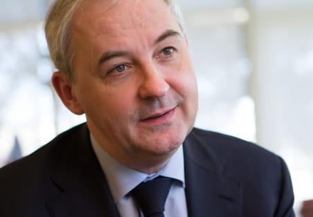 """François Pérol (BPCE) : """"Nous prenons très au sérieux l'arrivée d'Orange sur le marché"""""""