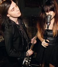 io echo, première couple musicienrecruté par le labelkooples records.