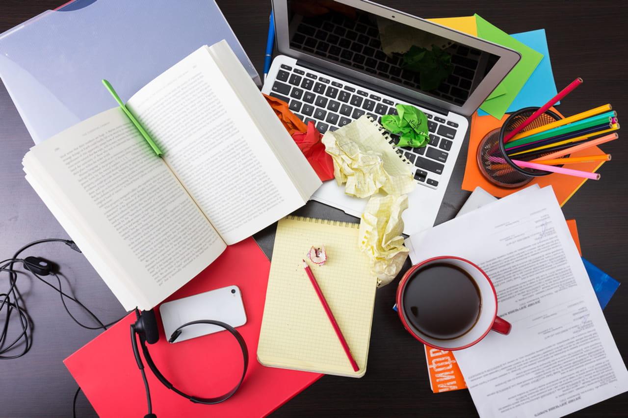 Un bureau désordonné pourrait vous rendre plus productif