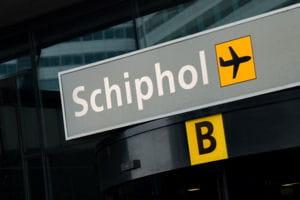 une vue de l'aéroport d'amsterdam.
