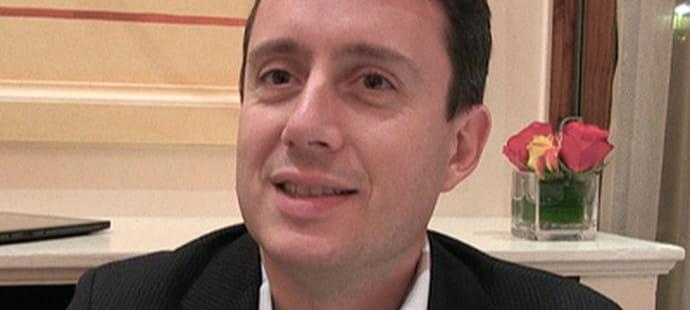 """Olivier Paris (Olympus France):""""Nous avons déployé un réseau social d'entreprise au niveau mondial"""""""