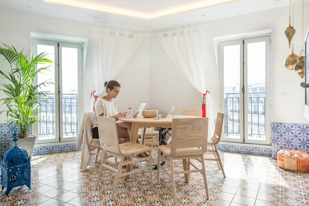 Une salle de réunion inspirée d'un riad à Marrakech