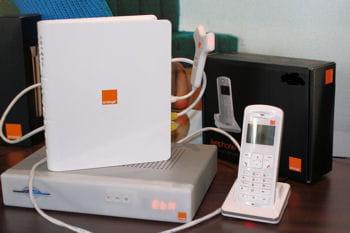 le téléphone sans fil de thomson se connecte à l'internet via une base dect qui