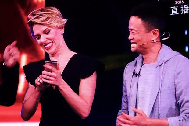 Scarlett Johansson et Jack Ma pour les 12coups de minuit