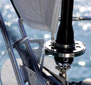 l'enrouleur de voile flatdeck permet un enroulement plus rapide et plus sécurisé