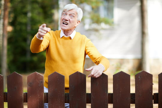 Problème avec un voisin agressif: que faire?