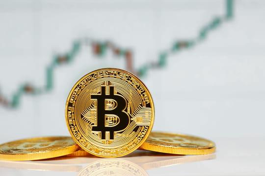 Bitcoin: le seuil des 11000 dollars dépassé