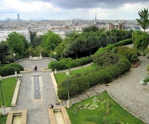 le parc de belleville, dans le 20e arrondissement.