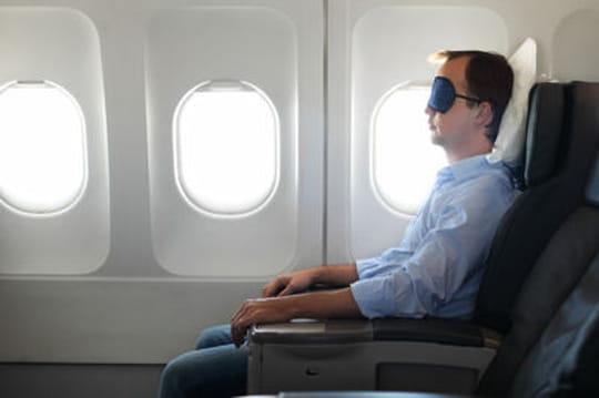 Comment bien dormir sur un vol long-courrier ?