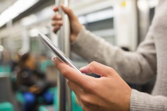Un internaute français moyen passe chaque jour 52minutes sur mobile