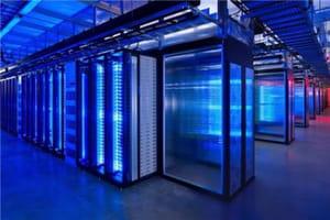 chez facebook, hadoop est aussi utilisé comme entrepôt de données pour le web