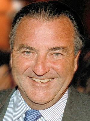 patrick ricard préside aux destinées du groupe pernod ricard depuis 1978.