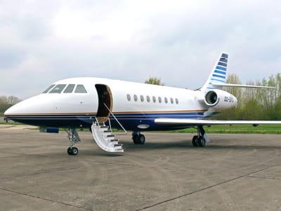 le milliardaire belge voyage depuis 2008 sur ce falcon 2000 ex, ici sur le