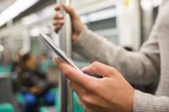 Le temps passé sur mobile dépasse celui sur PC au Royaume-Uni
