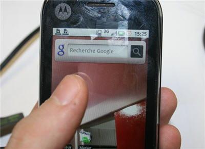 une interface android avec 5 écrans d'accueil paramérables