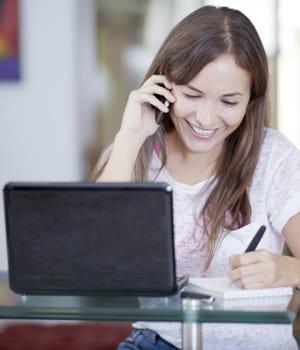 les mandataires ne travaillent pas en agence mais à leur domicile.