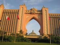 dubaï détient de nombreux records immobiliers, comme celui de plus grand hôtel