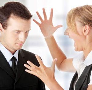 en entreprise, il semblerait que l'on gagne à être méprisant et agressif.
