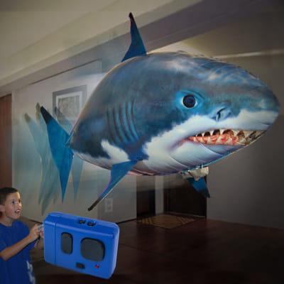 le requin gonflable télécommandé air swimmers